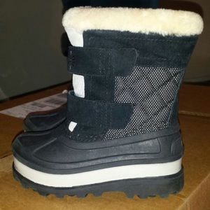 Kids Ugg Snow Boots size 9